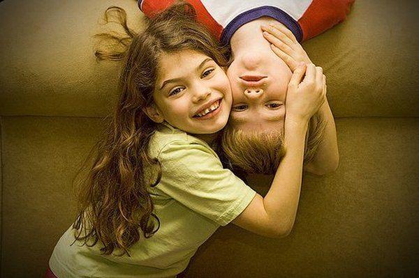 брат с сестрой видео скачать короткий